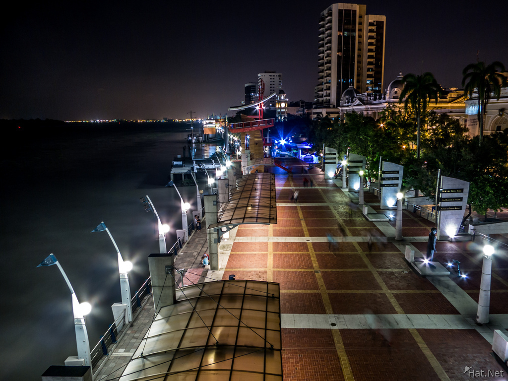 Malcon 2000 of Guayaquil at Night
