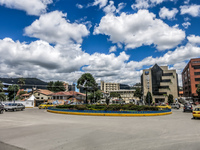 20140505121333-Cuenca_riverside_walk
